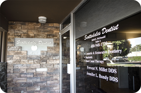 Cosmetic dentist in Scottsdale